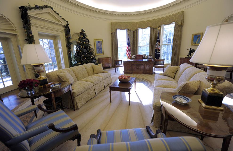 Los obama redecoran el despacho oval de la casa blanca - Despacho en el salon ...