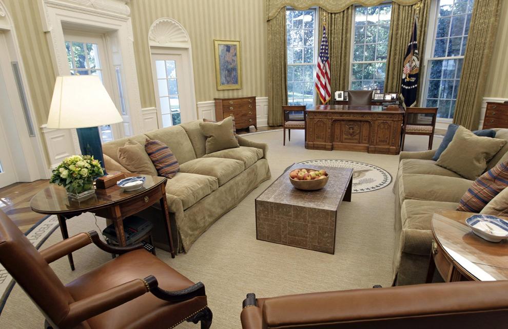 Los obama redecoran el despacho oval de la casa blanca for Muebles de sala lady lee
