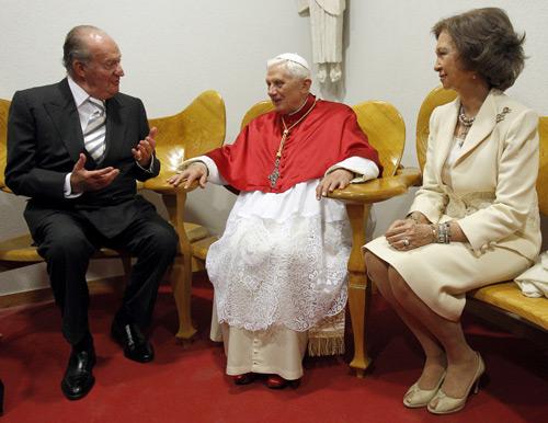 El Papa se despide de España