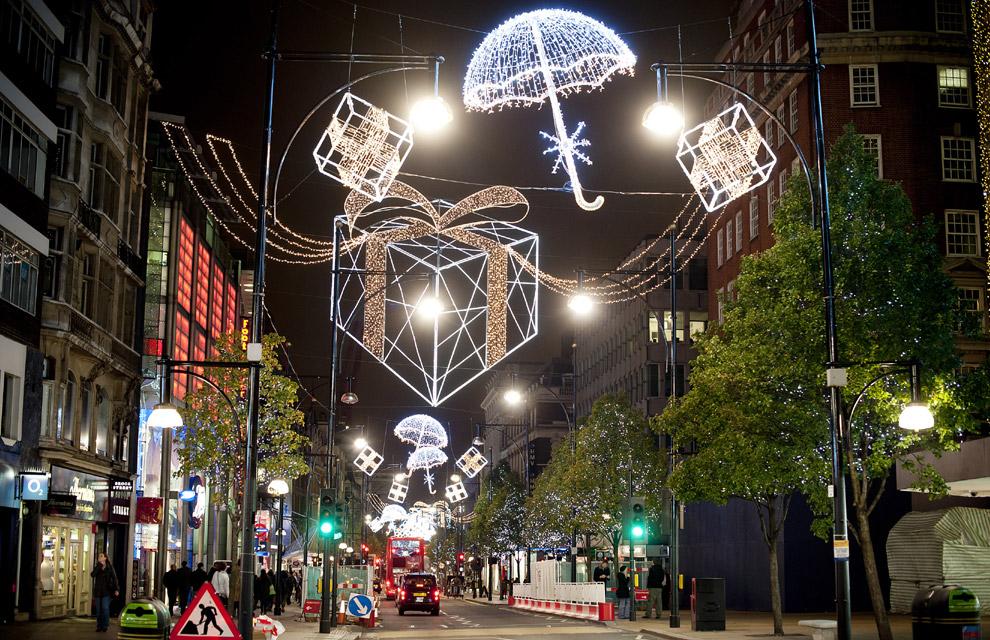 En fotos el mundo se llena de luz y de color para recibir a la navidad - Imagenes de casas adornadas con luces de navidad ...