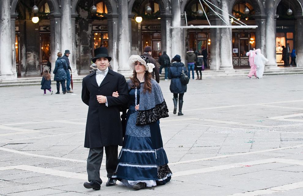 Los Carnavales 'inundan' Venecia de color, misterio y aires de fiesta