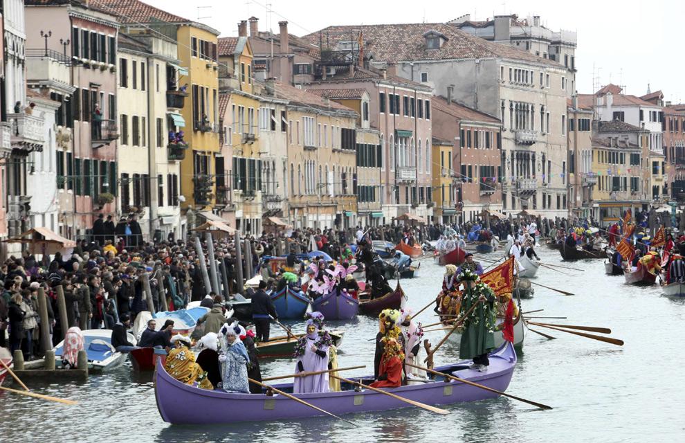 Carnavales de Venecia 2011: color, misterio y aires de ...