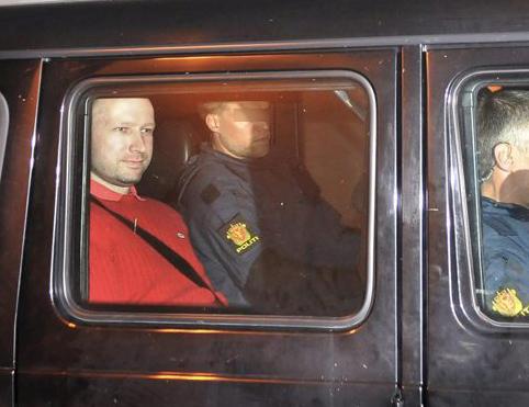 El juez decreta prisión provisional para el autor confeso de los atentados en Oslo