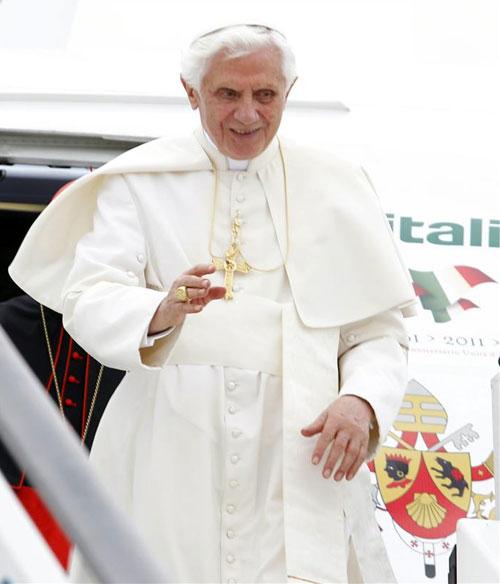 El papa Benedicto XVI ha llegado a Madrid para asistir a la Jornada Mundial de la Juventud