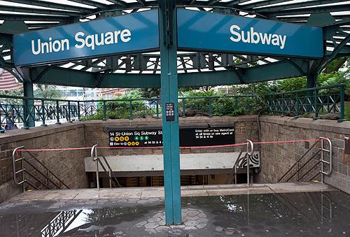 A cidade de Nova York, reforçado pela chegada do furacão Irene '