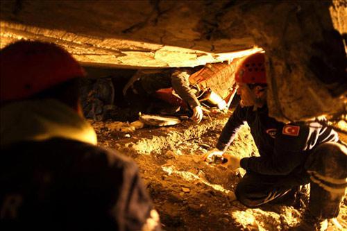 Al menos 366 personas fallecen y más de mil resultan heridas en un terremoto de 7,2 grados de magnitud en Turquía
