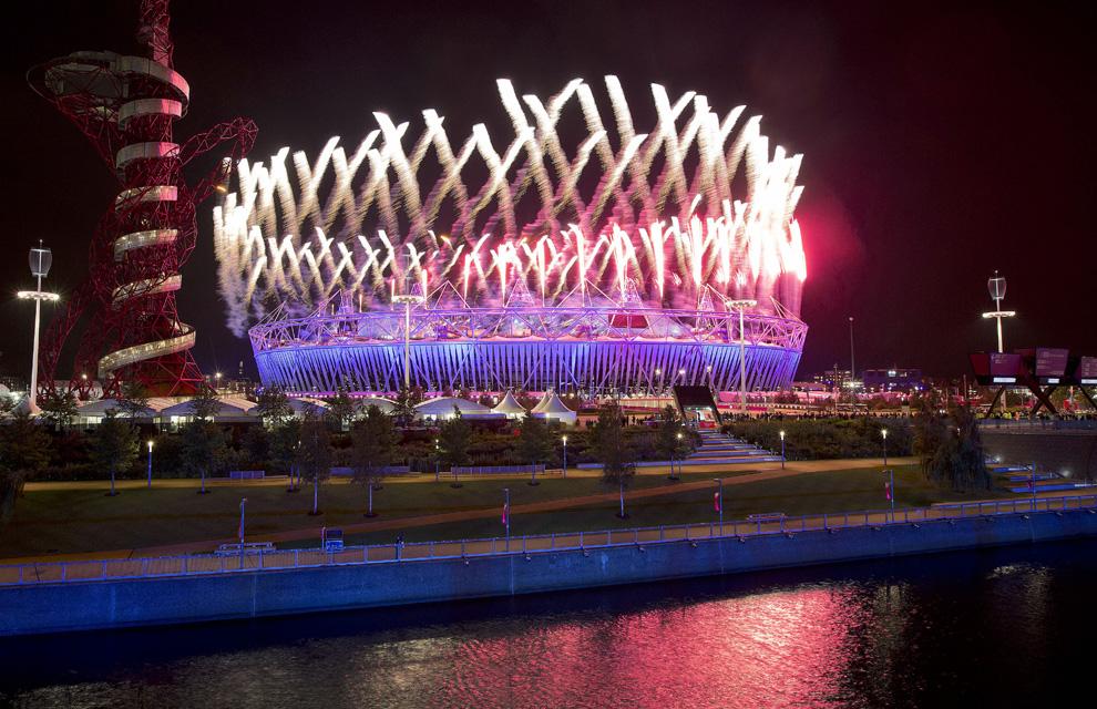http://www.hola.com/imagenes/actualidad/2012072860025/juegos-olimpicos-londres-inauguracion/0-211-759/inaug-londres4--a.jpg