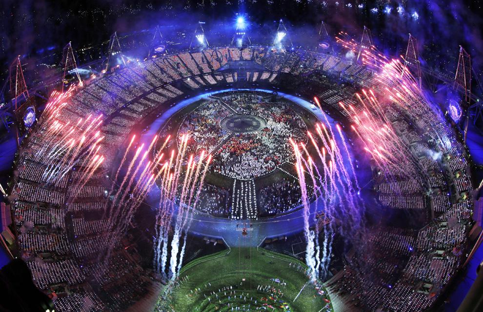 http://www.hola.com/imagenes/actualidad/2012072860025/juegos-olimpicos-londres-inauguracion/0-211-760/inaug-londres2--a.jpg