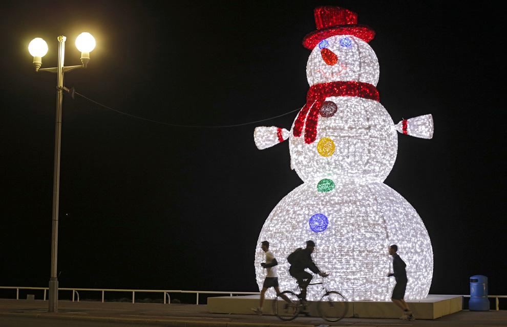 Las luces de navidad que iluminan el mundo for El mundo decoracion