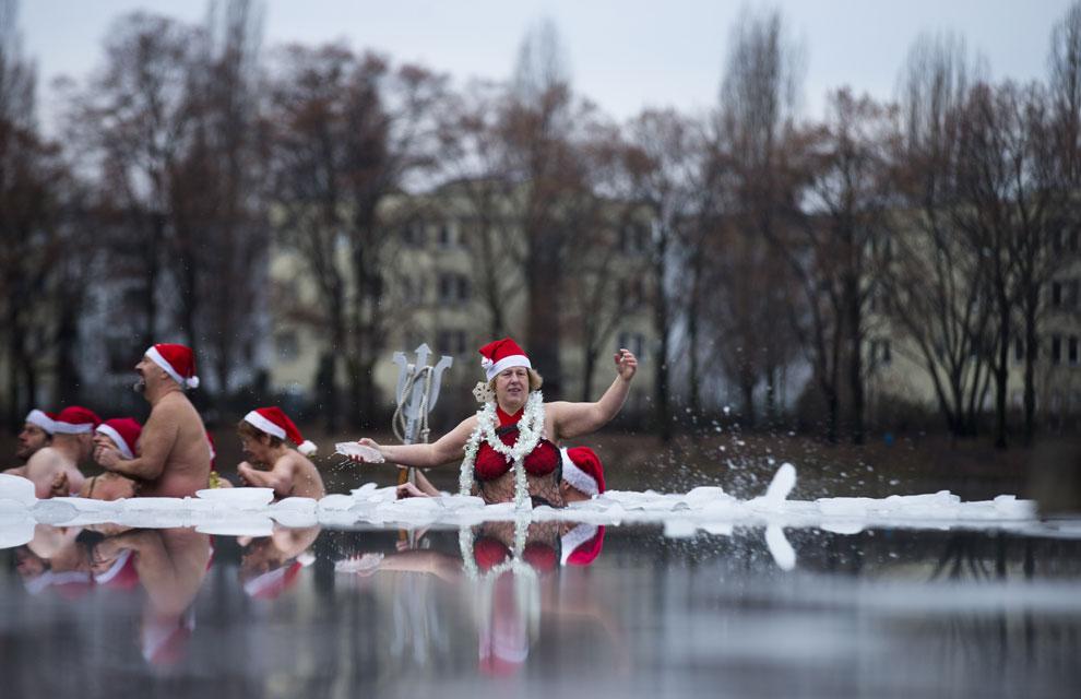 Un baño navideño para quedarse helado