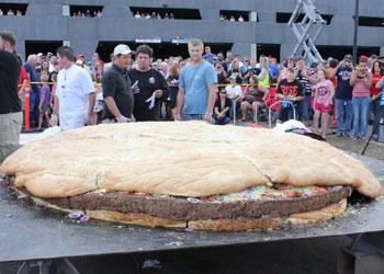 Así es la hamburguesa más grande del mundo