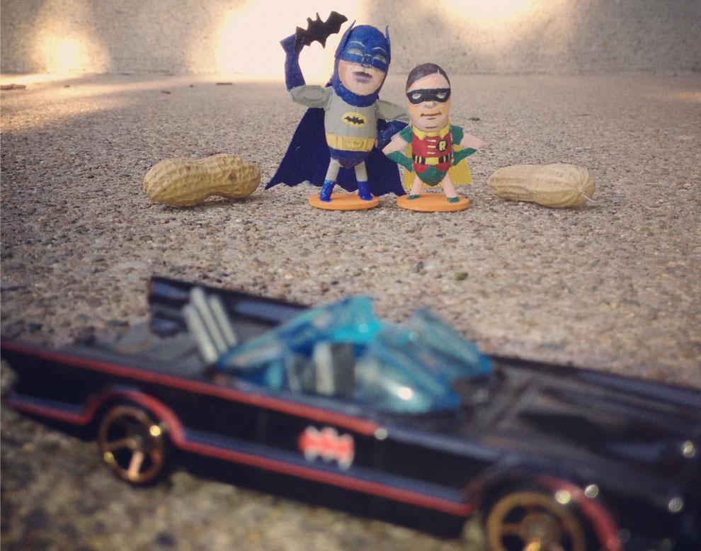 Elton John, James Bond, Batman... con sabor a cacahuete