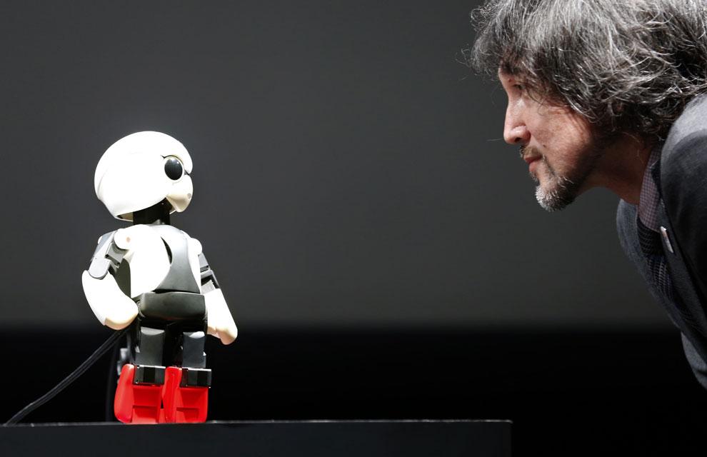 Toyota El Centro >> Kirobo, el robot parlanchín que ha viajado al espacio