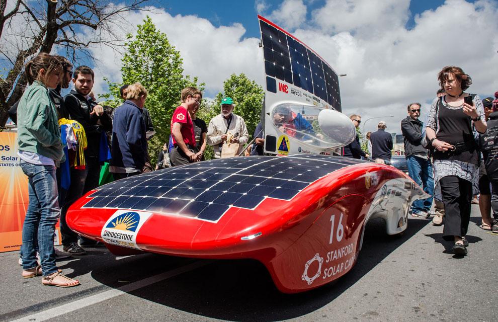 Los Coches Del Futuro Se Mueven Con El Sol En Australia