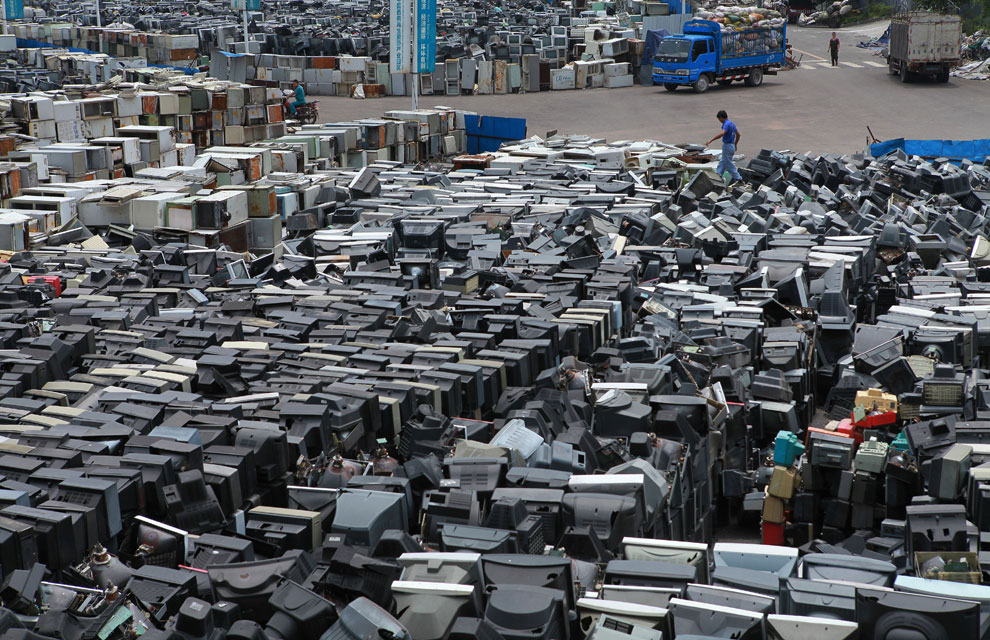 Un mar de pantallas catódicas en China