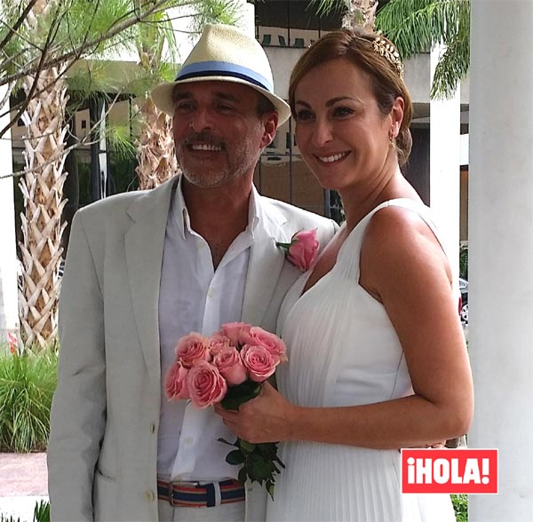 En ¡HOLA!, la boda sorpresa de Ana Milán y Fernando Guillén Cuervo en Estados Unidos