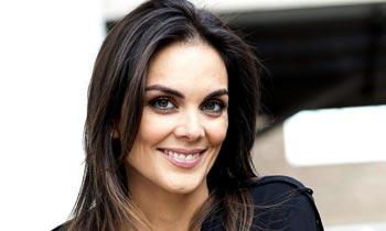 Mónica Carrillo: 'Me propuse escribir como un reto y me ha gustado atreverme'