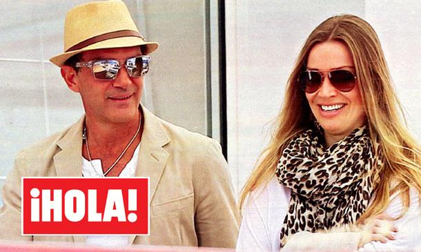 Fotografías exclusivas en ¡HOLA!: Antonio Banderas regresa a Saint-Tropez en buena compañía