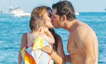 Manu Tenorio y Silvia Casas, las imágenes más bonitas de su verano ibicenco