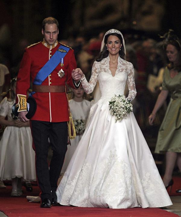 29 Iconic Celebrity Wedding Dresses: Amal Alamuddin, Ante Su Próxima Boda Con George Clooney