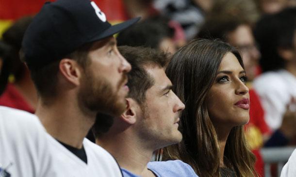 Sara Carbonero, Iker Casillas, Sergio Ramos... quedan para ir al baloncesto