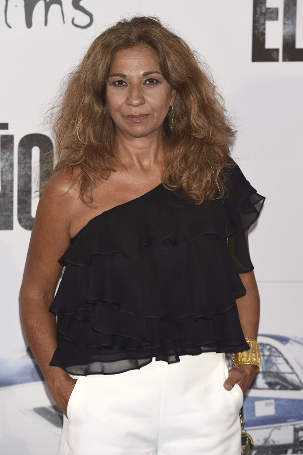 Lolita Flores, una mujer luchadora que se enfrenta con valentía y una sonrisa a los problemas