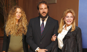 Carmen Cervera presenta las memorias del barón Thyssen junto a Borja y Blanca