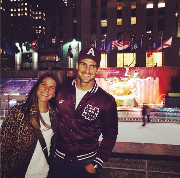Aitor Ocio le regala a su chica un viaje a Nueva York por su cumpleaños