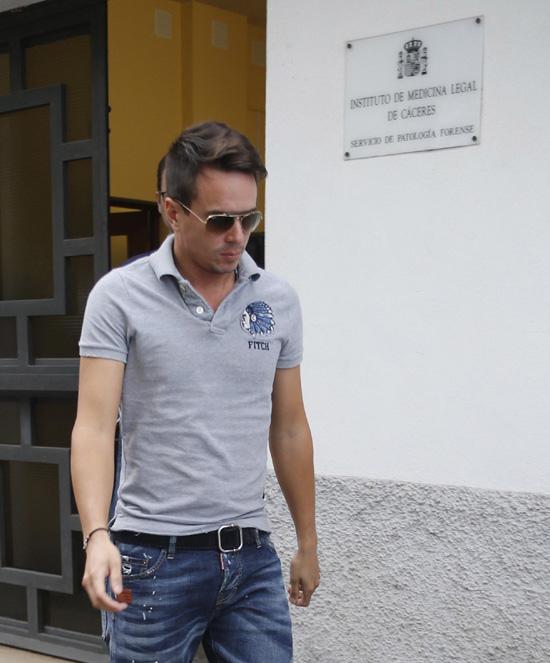 José María Manzanares, destrozado tras conocer la muerte de su padre en México