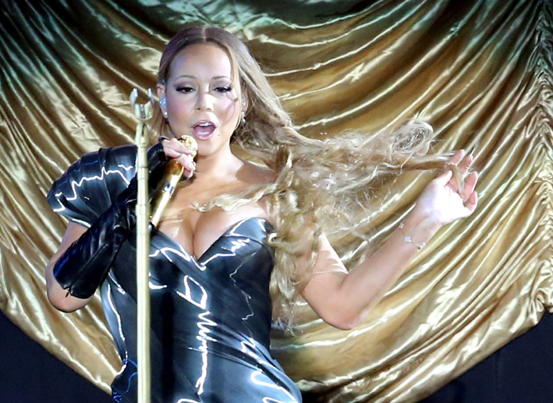 Mariah Carey entona sobre el escenario: 'Mi vida amorosa es tremendamente aburrida'