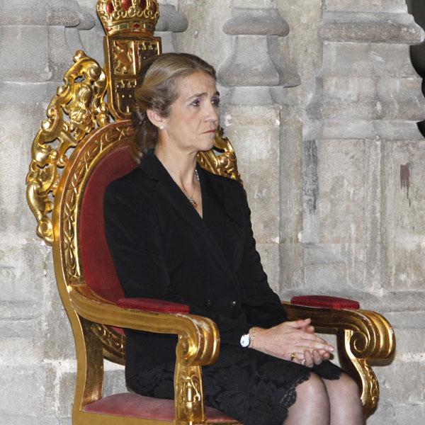 Multitudinario último adiós a la Duquesa de Alba en la Catedral de Sevilla