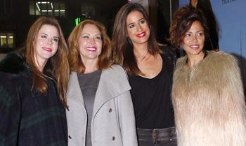 Un incombustible Raphael, rodeado de 'sus chicas' en Madrid