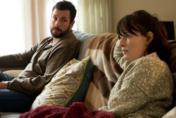 Jennifer Garner se convierte en una madre controladora en 'Hombres mujeres y niños'