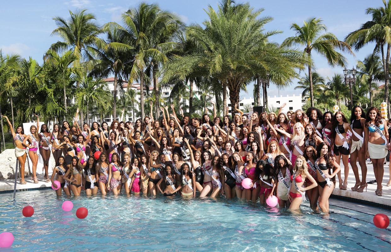 39 pool party 39 en miss universo la piscina con m s guapas for Fiesta de piscina