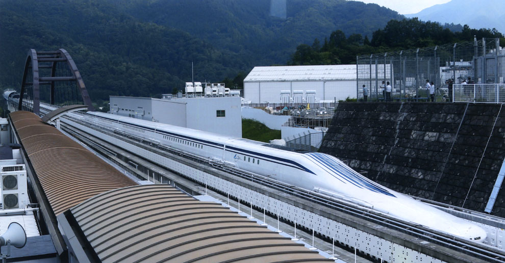 Vértigo en el tren a 500 kilómetros por hora