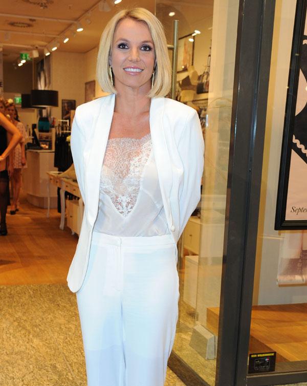 Un exnovio de Britney Spears fallece tras ser derribado su helicóptero en Afganistán