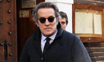 Alfonso Diez disfruta de un almuerzo entre amigos en Madrid tras haber abandonado definitivamente el Palacio de Dueñas