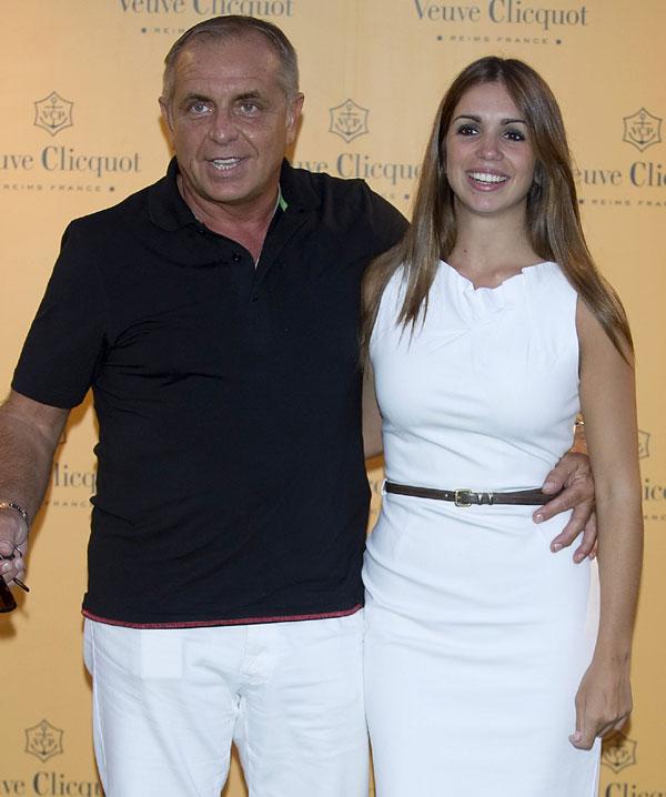 En ¡HOLA!, Guillermo Furiase, exmarido de Lolita, se recupera de un infarto cerebral rodeado por sus hijos