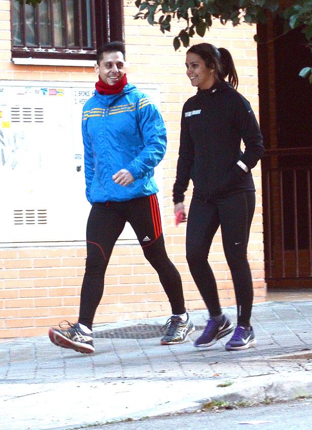 David Muñoz 'todo un caballero' con su novia Cristina Pedroche