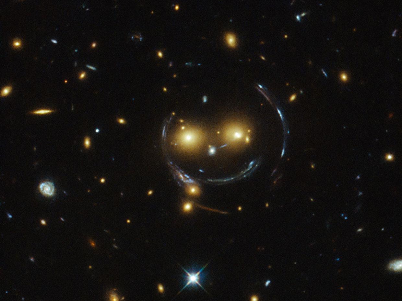 El universo sonríe