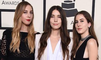 Este, Danielle y Alana Haim, quédate con sus nombres porque vas a oír hablar (y mucho) de estas tres hermanas