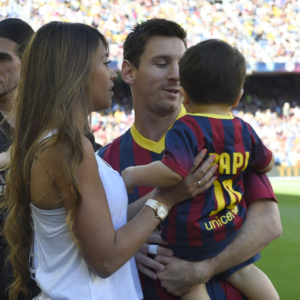 Gerard Piqué, Leo Messi, Andrés Iniesta… Este año la cigüeña es blaugrana
