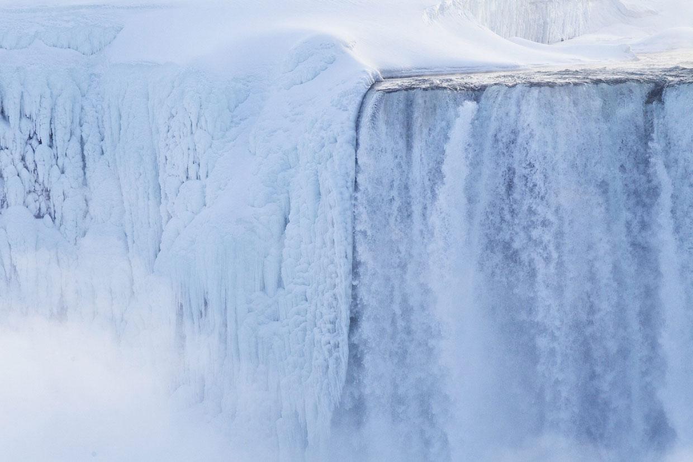 Las cataratas del Niágara congeladas, todo un espectáculo