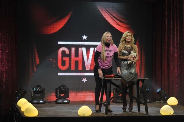 Belén Esteban llora de alegría en GHV al escuchar la buena noticia de su hija Andrea: 'He aprobado todo, mamá'