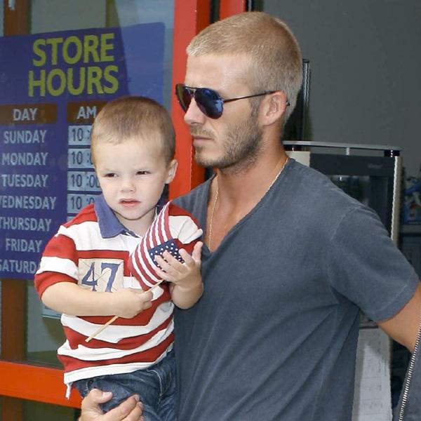 Si Romeo Beckham es idéntico a mamá... ¿Quién se parece a papá?