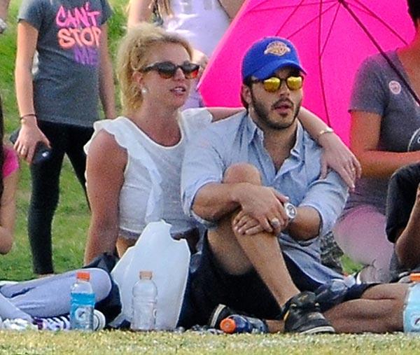Romántica e ilusionada... Charlie Ebersol saca la mejor versión de Britney Spears