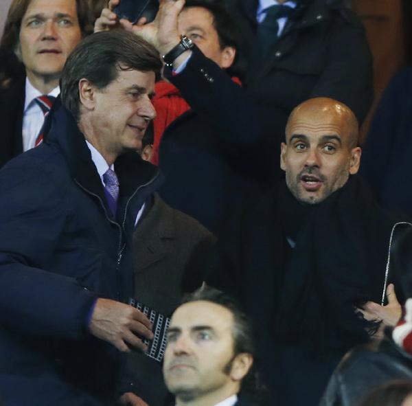 Mientras Cayetano Martínez de Irujo sufría en el fútbol... ¿dónde estaba Melani Costa?