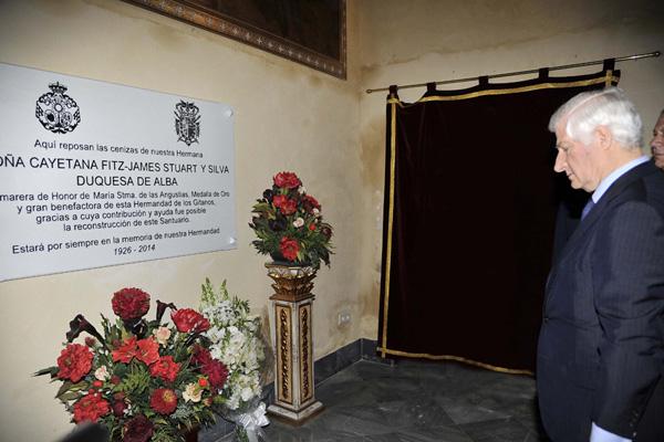 Los hijos de la duquesa de Alba mantienen vivo su recuerdo en Semana Santa