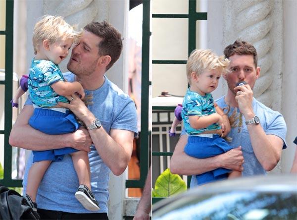 ¿Quién se lo pasa mejor? Michael Bublé ejerce de padrazo con su 'mini Bublé' Noah