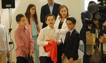 Rafa Nadal recibe un premio muy especial ante un gran fan: el hijo de Mariano Rajoy